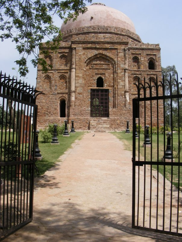 Dadi-Poti's Tomb on Easter Morning Walk